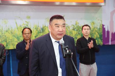 汉中市体育竞猜投注网会长刘宝安主持开幕式